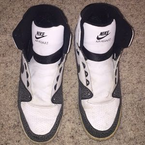 Nike air assault sneakers size 12
